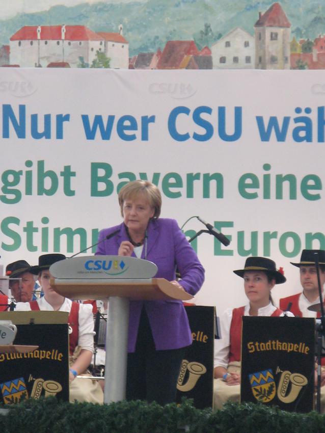 Angela Merkel im Unterschleißheimer Bierzelt